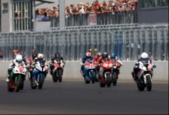 start superstock 1000 slovakiaring iii wmmp runda k mg 0025