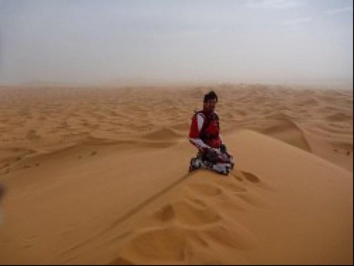 Carlos Checa pustynia