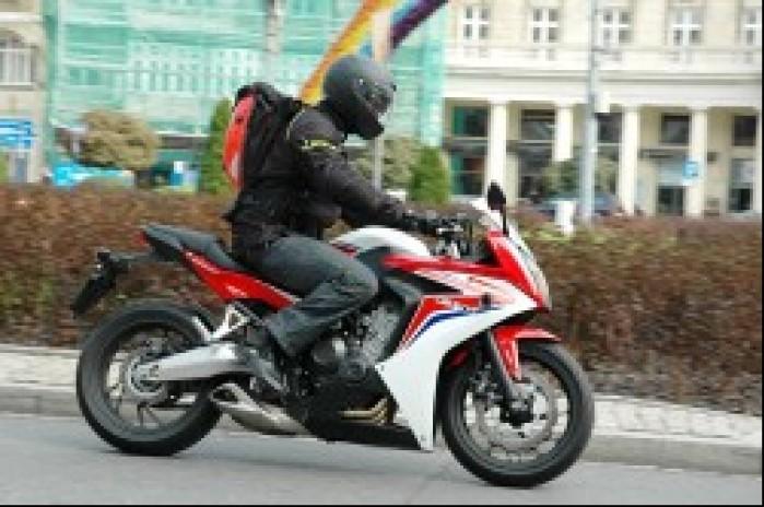 Honda CBR650F 2014 na miescie