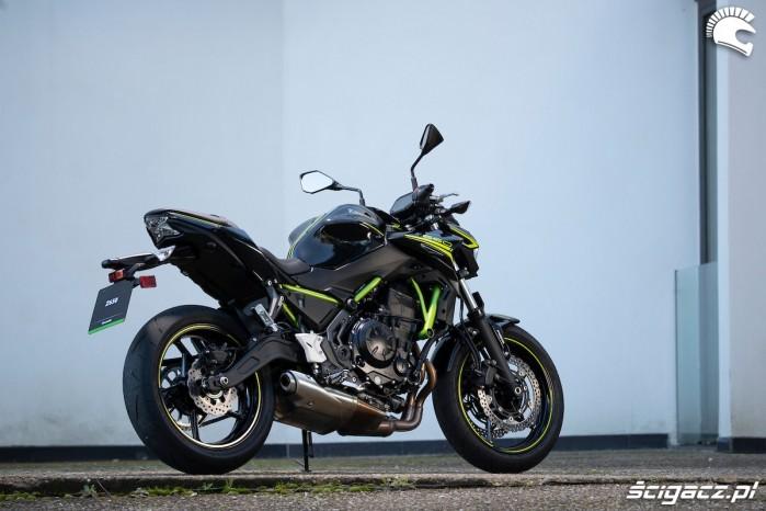 13 Kawasaki Z650 2020 odtylu