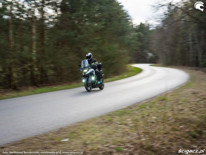 04 Suzuki VStrom 10150 31 serpentyna