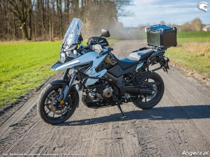 Suzuki VStrom 10150 01 lewy front