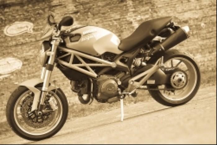 motocykl ducati monster 1100 test mg 0003