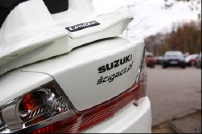 Suzuki Burgman 400 logo