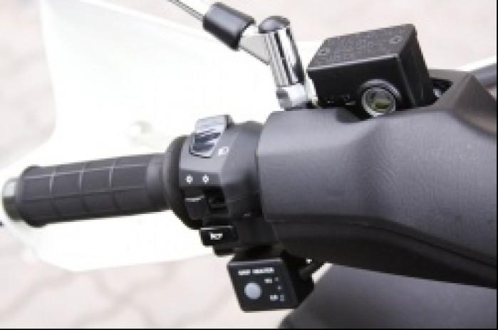 Suzuki Burgman 400 przelaczniki