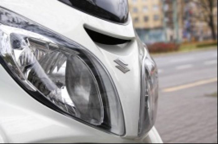 Suzuki Burgman 400 reflektory