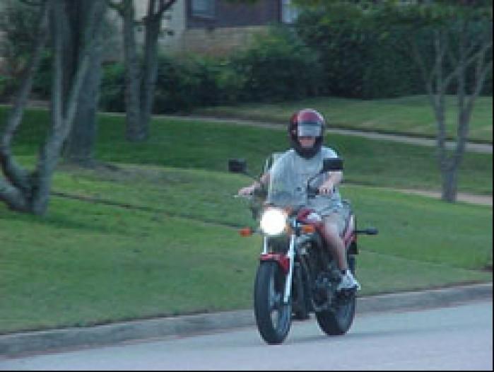 gs500 15med motocykl dla kazdego nawet dla nie przygotowanych do jazdy