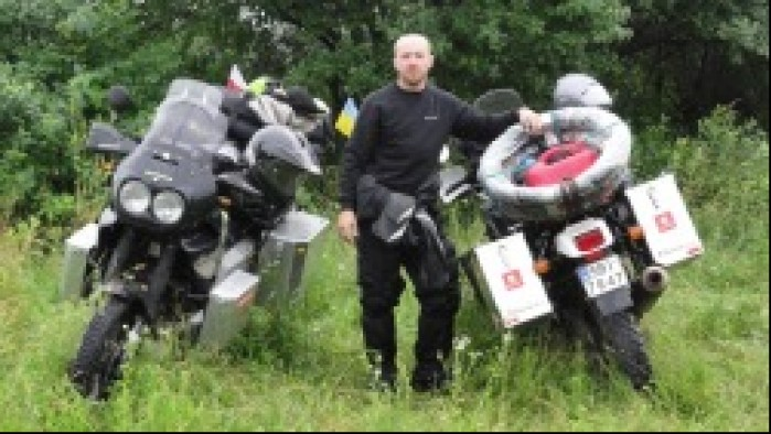 Africa Twin motocyklem do Magadanu