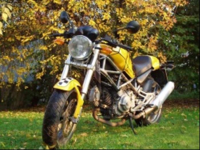 Ducati monster600 2
