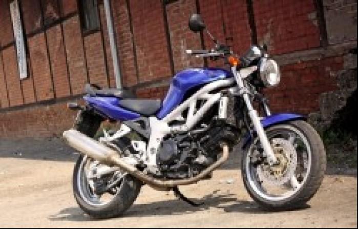 Suzuki SV650 prawa strona
