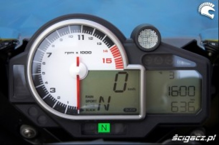 BMW S1000RR 2009 kokpit