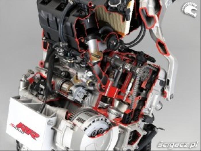 BMW S1000RR 2009 silnik w przekroju