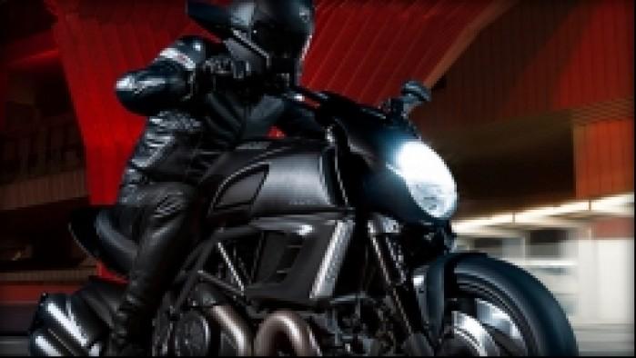 kierowca Ducati Diavel Dark 2013