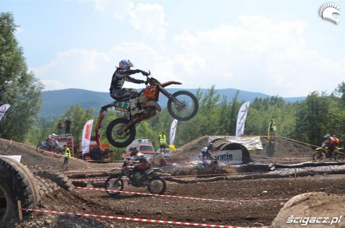 KTM skok