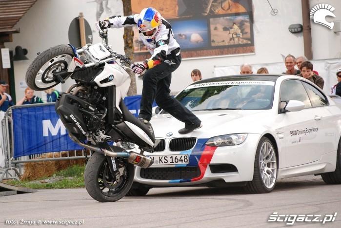 Samochod i motocykl BMW