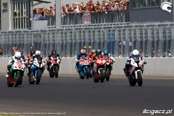 start superstock 1000 slovakiaring iii wmmp runda k mg 0025