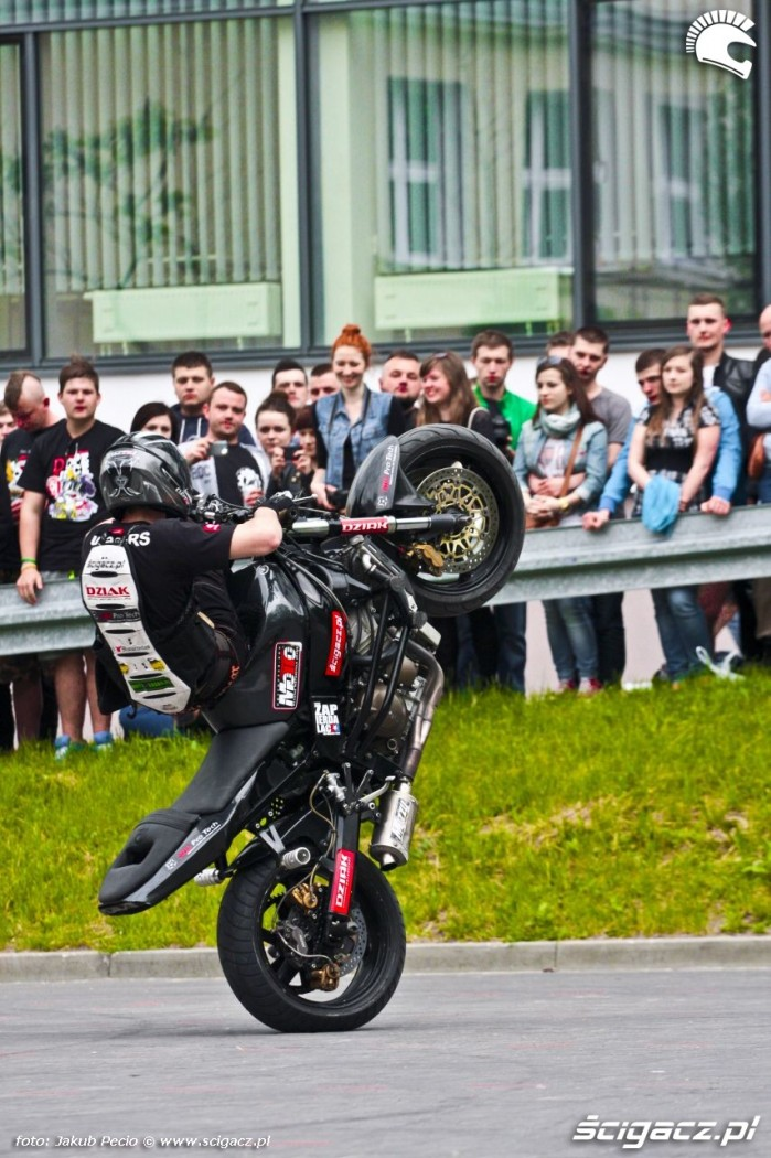 HC wheelie Lukasza FRS Moto Show 2014