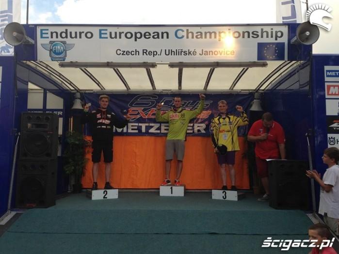 Pawel Szymkowski na podium ME Enduro