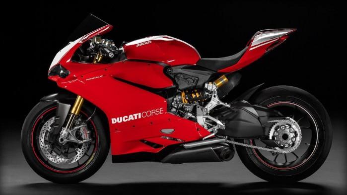 Ducati Panigale R 2015 bok