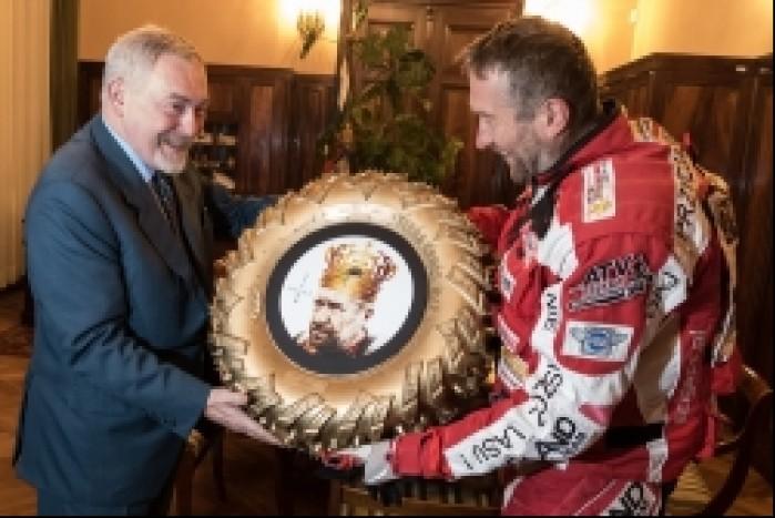 nagroda od prezydenta sonik