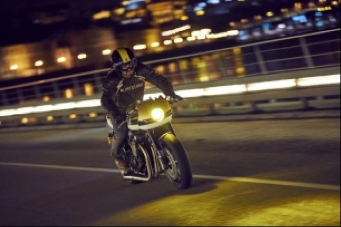 Yamaha XJR1300 akcja