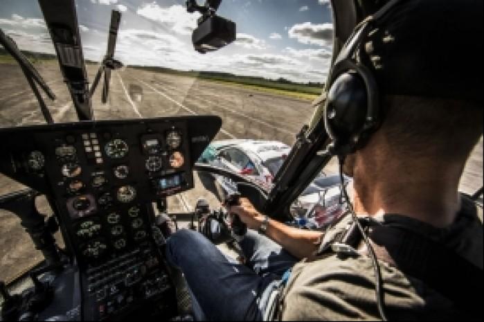 Felix Baumgartner w helikopterze