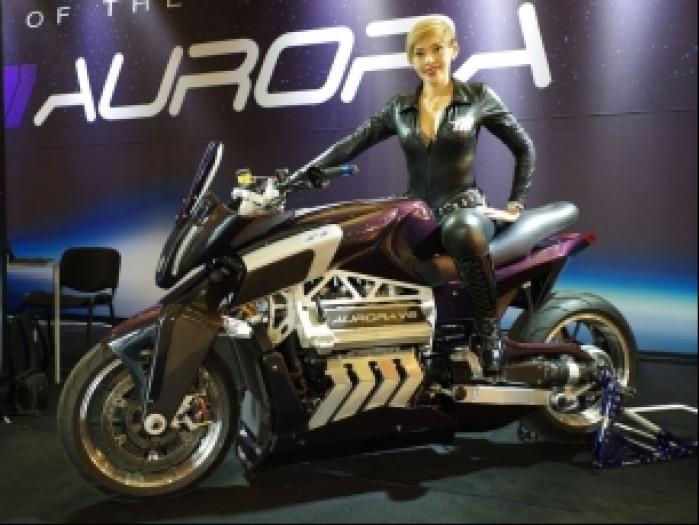aurora hellcat v8 modelka
