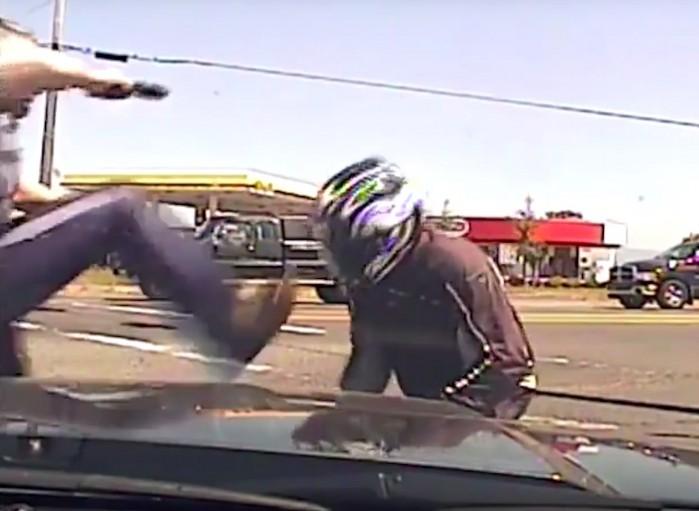 Policjant kopie motocykliste