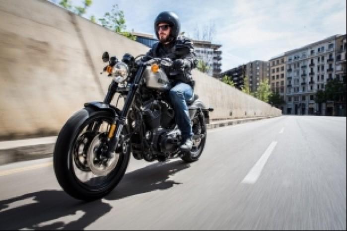 Jazda Harley Davidson Roadster 1200