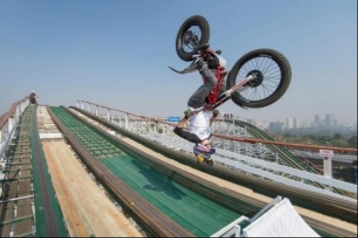 Julien Dupont rollercoster backflip