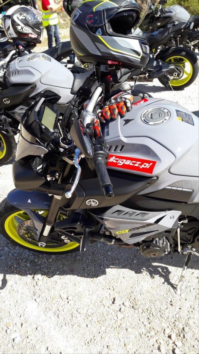 Na trasie Yamaha MT10 2016