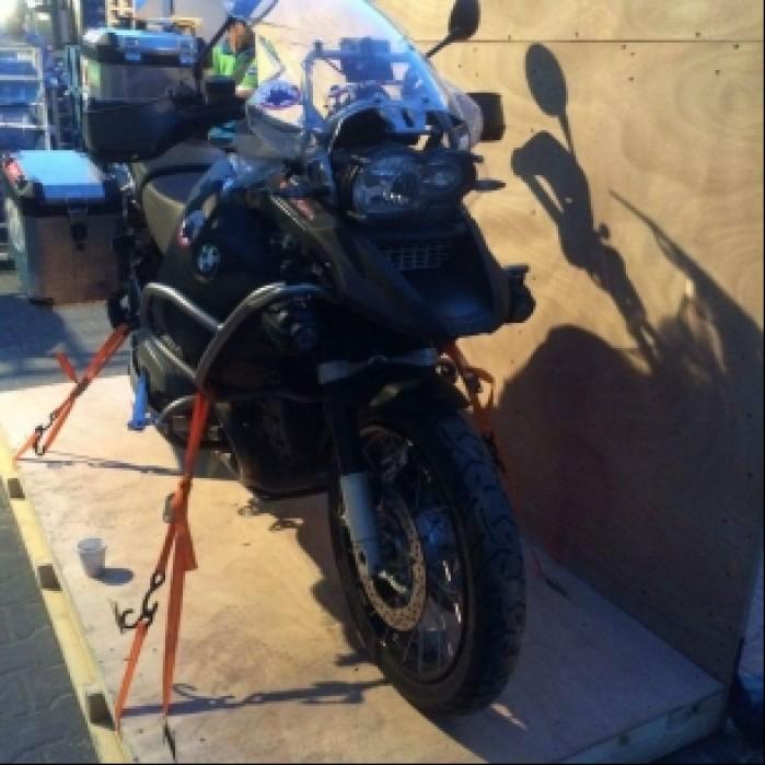 Dubaj pakowanie motocykla