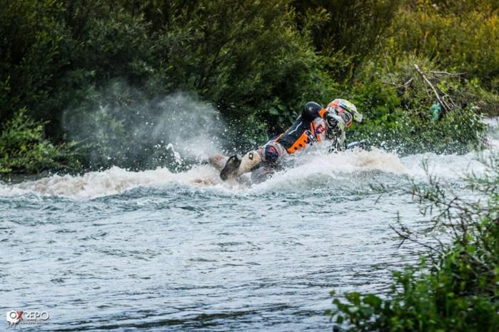 przejazd przez wode albania