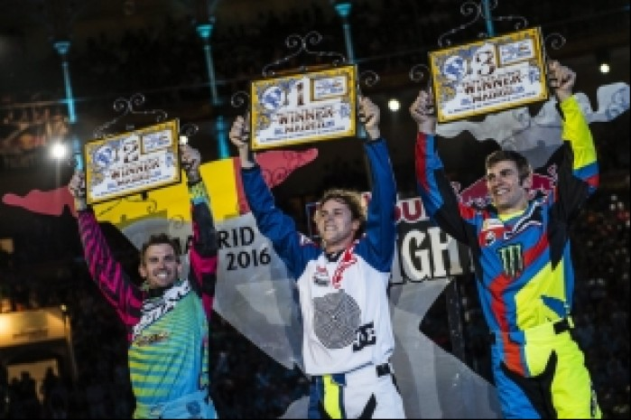 podium x fighters 2016