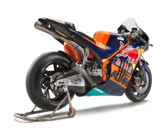 KTM RC16 2016 prawy tyl