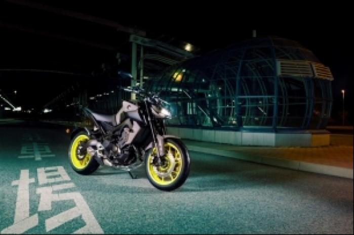 Yamaha MT 09 MY 2017 miasto