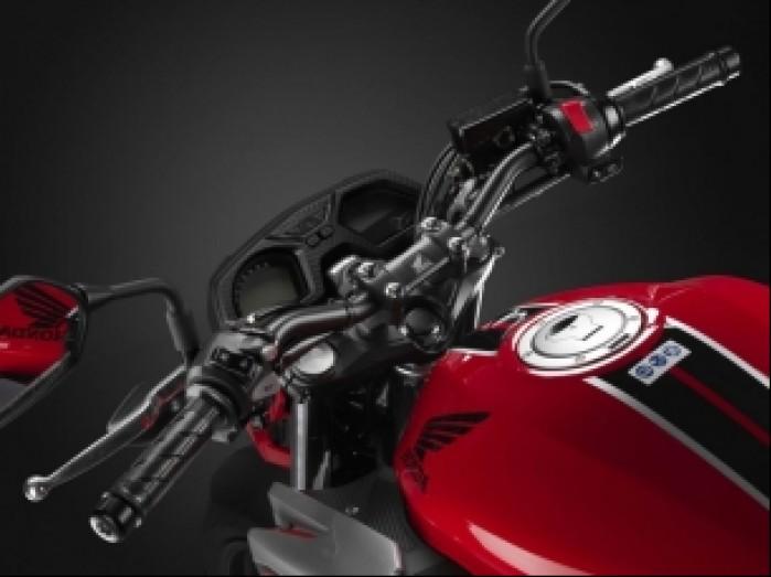 Honda CB650F 2017 02