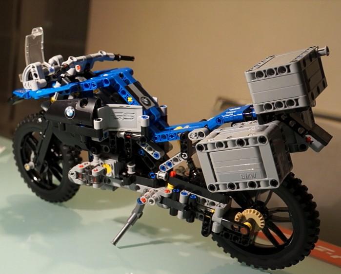 motocykl lego technic bmw r1200gs adventure zestaw 42063. Black Bedroom Furniture Sets. Home Design Ideas