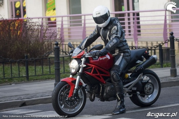 na swiatlach ducati monster 1100 test mg 0100