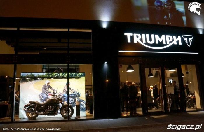 Triumph Salon Warszawa Jerozlimskie 200