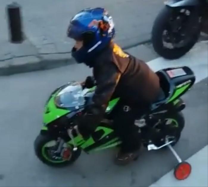 6 letni motocyklista