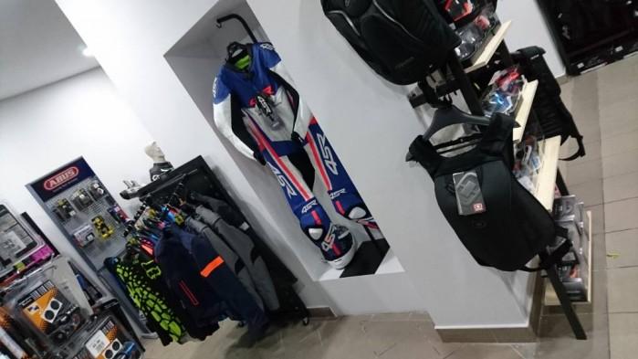 Nowy salon akcesoriow motocyklowych 4ride pl 2017 06