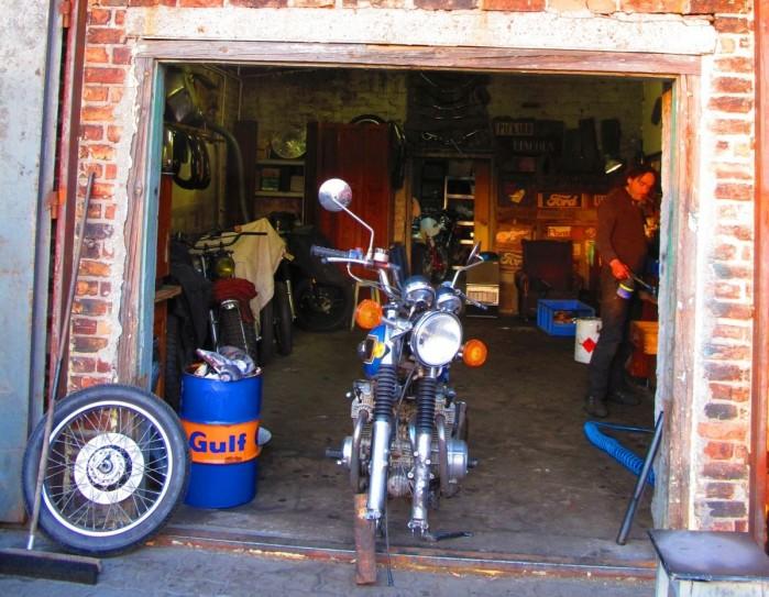 Nostalgiczny garaz Warszawa