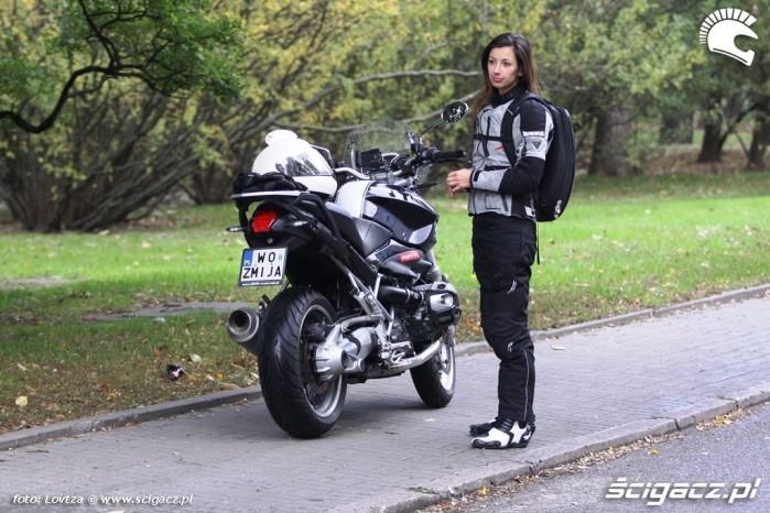 Stroj Modeka motocyklistka