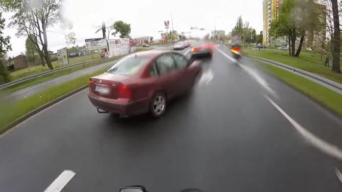 zajechanie drogi motocykliscie