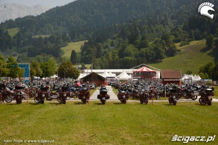 Motocyklowy parking na Garmisch