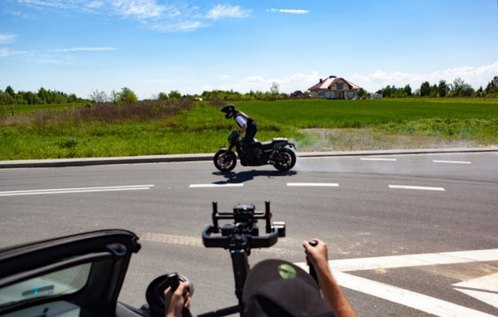 Rekord Guinnessa w jezdzie na motocyklu z jednoczesnym paleniem gumy 14