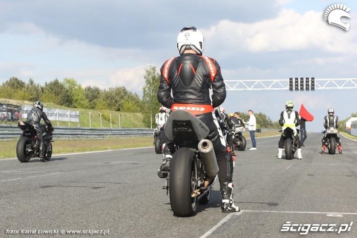 Tor Poznan Pirelli Diablo Superbike Pro test