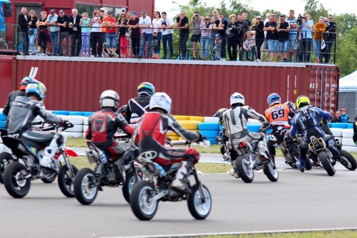 3 runda Pitbike pl Otwarte Mistrzostwa Wojewodztwa Kujawsko Pomorskiego Supermoto w Toruniu 05