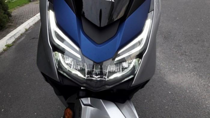 Honda Forza 125 2017 reflektor